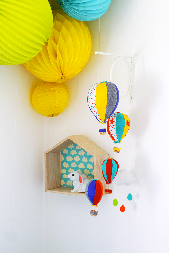 CHAMBRE-ENFANT-KIDROOM-HOTHAIRBALLOON-MOBILE-MONTGOLFIERE-DIY-2