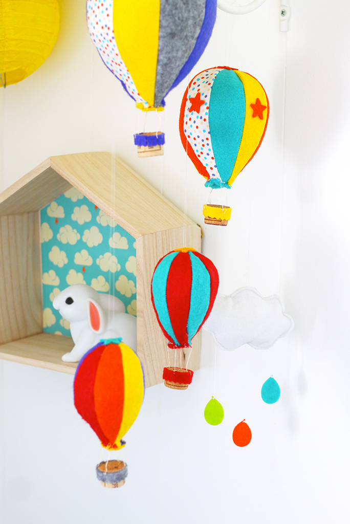 CHAMBRE-ENFANT-KIDROOM-HOTHAIRBALLOON-MOBILE-MONTGOLFIERE-DIY-3